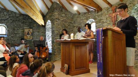 Célébration du dimanche dans la chapelle