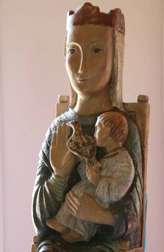Avec Marie, au centre de nos échanges, de notre rencontre