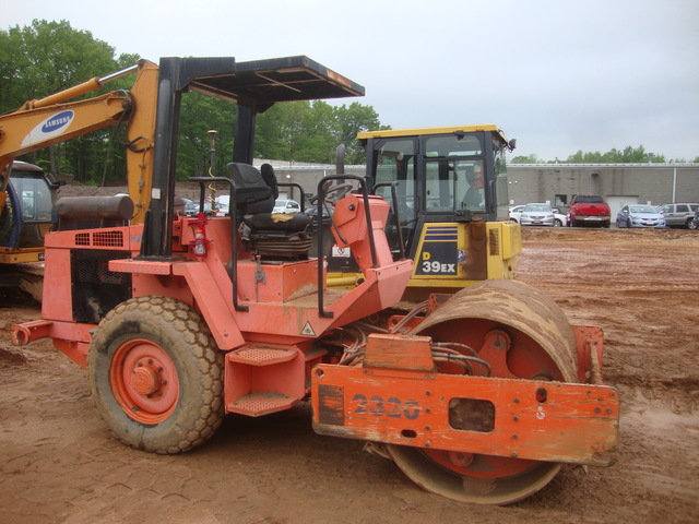 Hamm single drum soil compactor