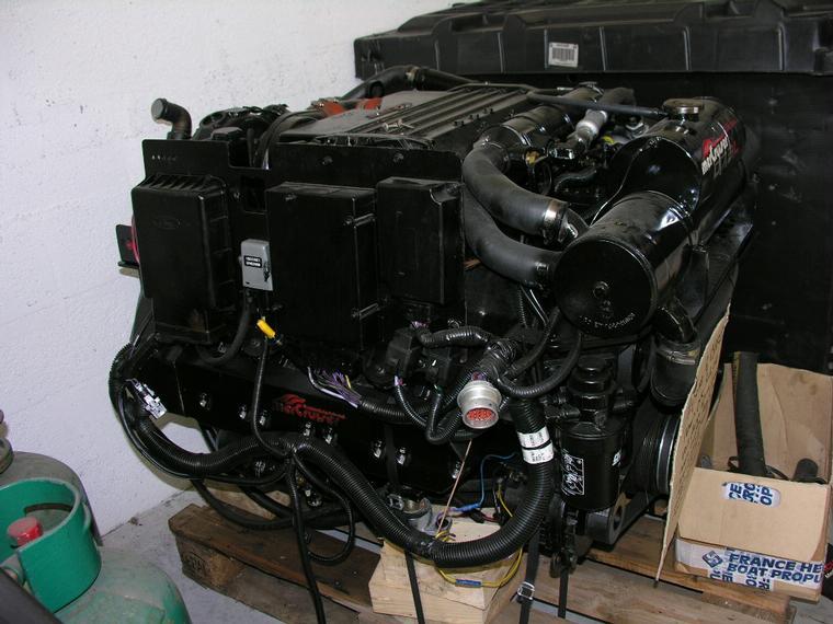 Mercruiser D73 D Tronic TurboDiesel 300 HP Con Bravo 2X