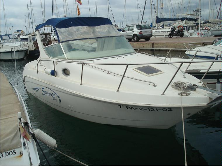 Saver 690 Cabin Sport in Port Bals  Cabin Cruisers used