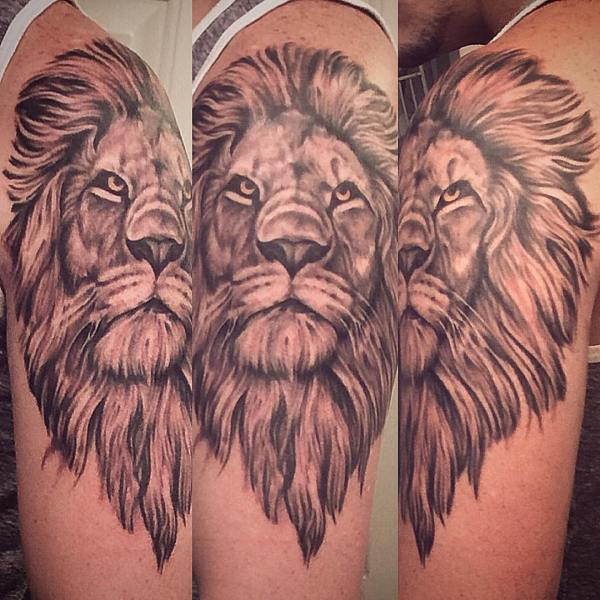 @brianleebricktattoos outdid himself. Thank you so much man! #Aslan