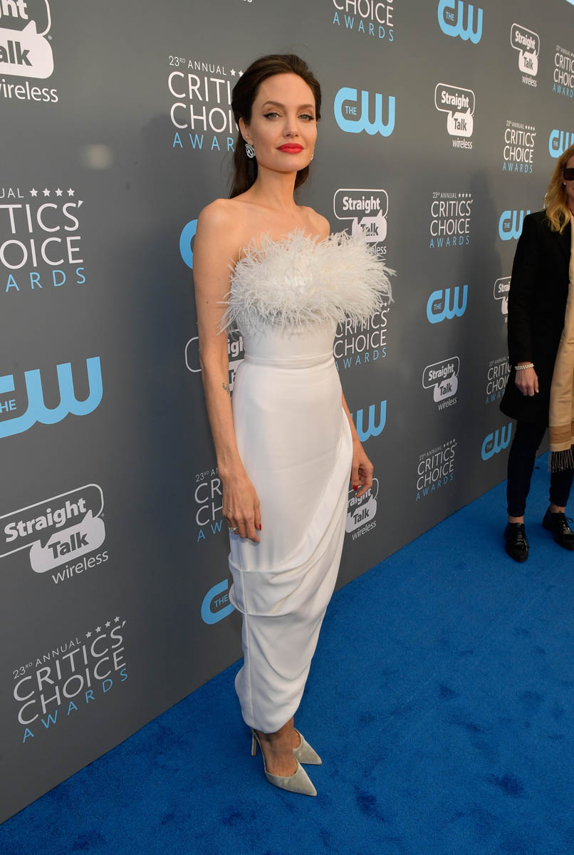 Angelina Jolie In White Feathers At The Critics Choice Awards