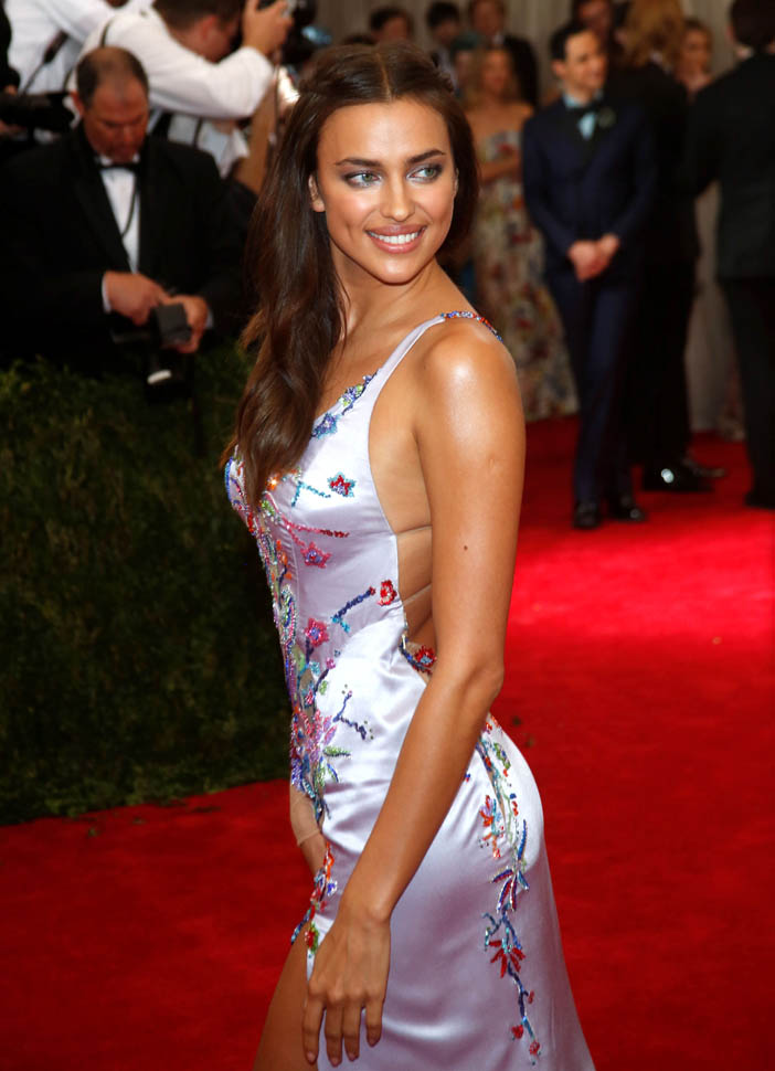 Bradley Cooper and Irina Shayk make out at MET Gala after partyLainey Gossip Entertainment Update