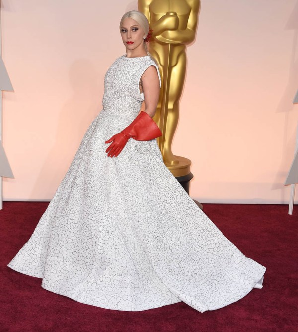 Lady Gaga performs The Sound Of Music at the 2015 Oscars