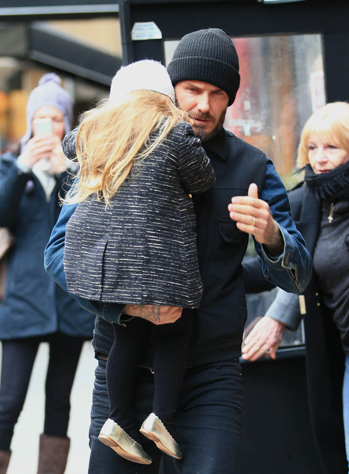 Harper Seven Beckham picks her nose next to Anna Wintour at New York Fashion WeekLainey Gossip