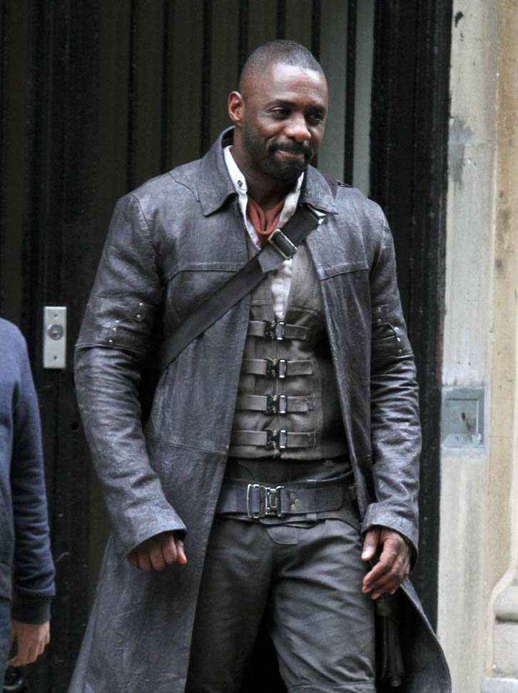 Never Fall In Love Wallpaper Idris Elba Looks Badass In Costume On The Set Of The Dark