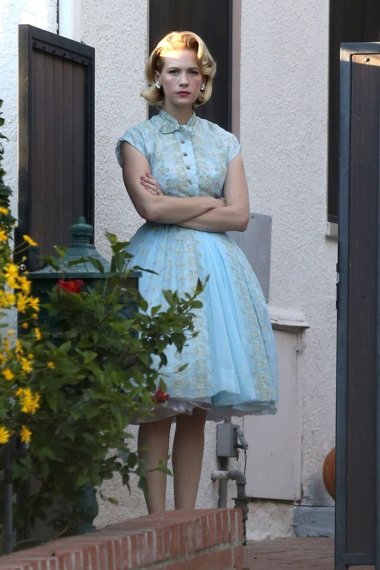January Jones Dresses For Halloween As Betty Draper Lainey