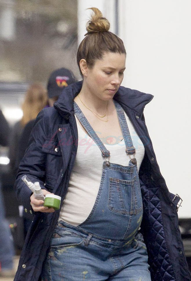 Pregnant Jessica Biel is popular on the set of The Devil
