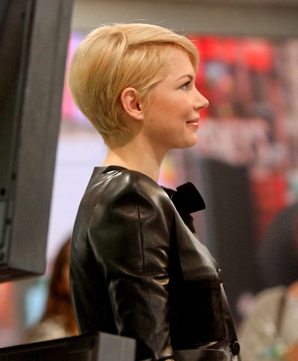 Michelle Williams Has Great Hair While Promoting OzLainey