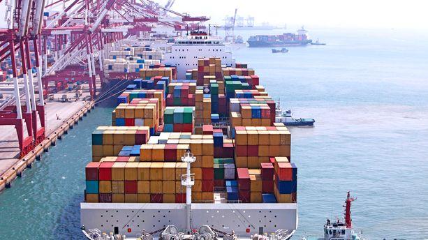 Un cargo à quai / Photo d'illustration