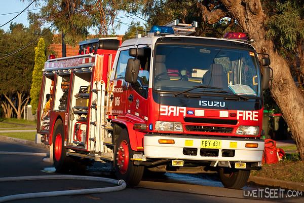 NSWFB Pump 16 RhodesIsuzu Pumper from Rhodes station at a Garage Fire in North Strathfield, March 2008
