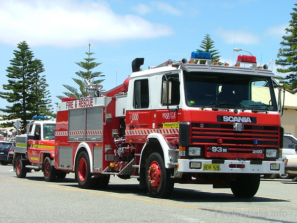 WA FRS Fremantle Heavy PumperWA FRS Fremantle Heavy Pumper driving the streets of Fremantle near their station.