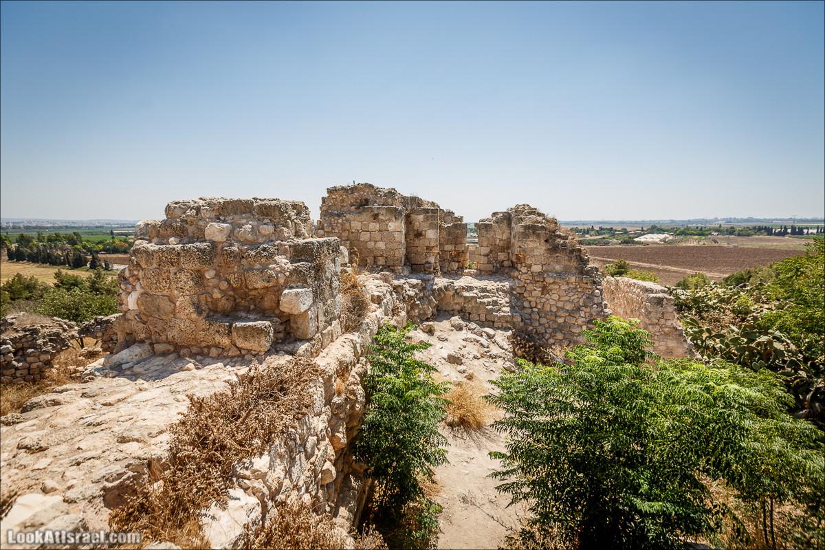 Крепость Какун | Qaqun fort | קקון | LookAtIsrael.com - Фото путешествия по Израилю