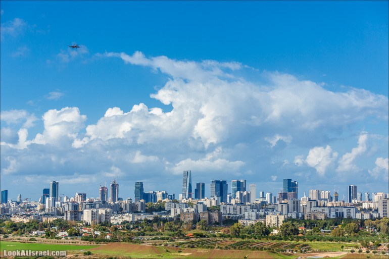 Смотровая площадка с видом на Тель-Авив в парке Ариель Шарона, Хирия | Belvedere Tel Aviv Metropolis View | פארק אריאל שרון חיריה מרפסת תצפית מטרופולינית | LookAtIsrael.com - Фото путешествия по Израилю