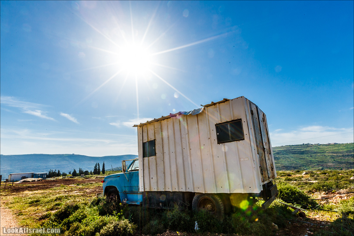 Первый дом на родине на высотке 777 в горах Самарии | LookAtIsrael.com - Фото путешествия по Израилю