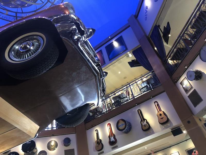 Hard Rock Cafe Universal Studios | LookAtIsrael.com - Фото путешествия по Израилю