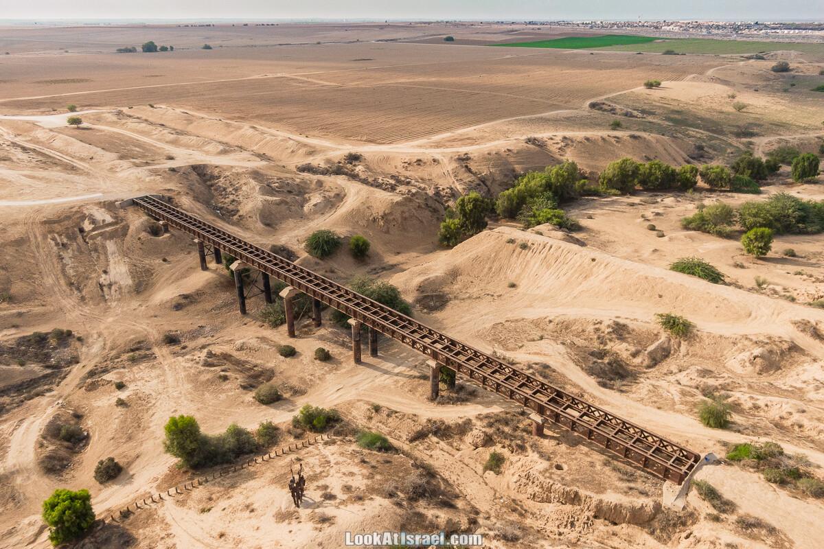 Железнодорожный мост на заклёпках