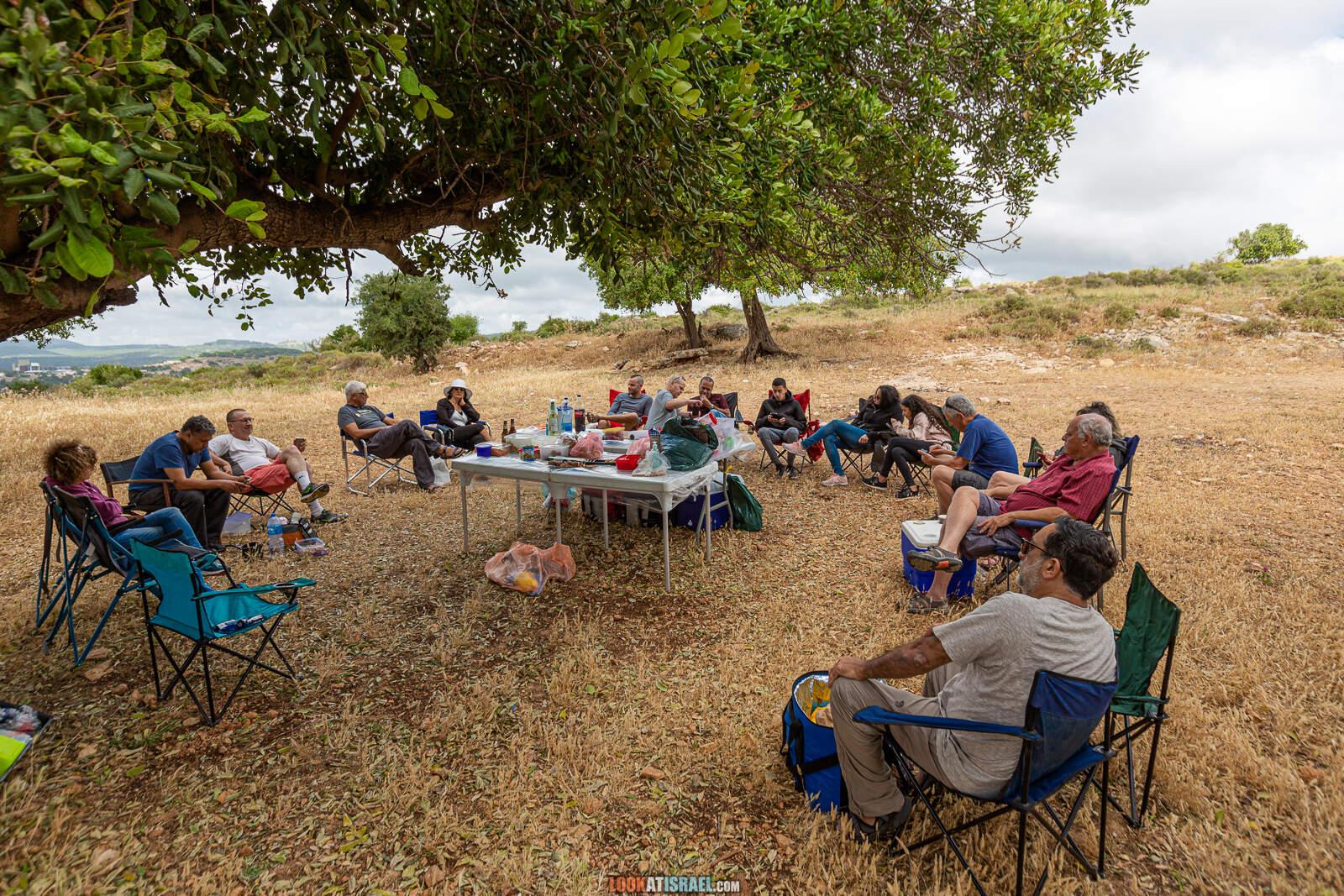 Путешествие по Галилее. Гора Гамаль (верблюд), Гора Бетах, голубиная пещера, Таршиха и кемпинг в парке Горен   LookAtIsrael.com - Фото путешествия по Израилю