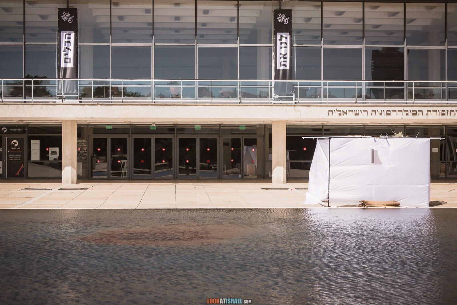 Тель-Авив, бульвар Ротшильд и театр Габими во время карантина | Lockdown on beaches of Tel Aviv | LookAtIsrael.com - Фото путешествия по Израилю