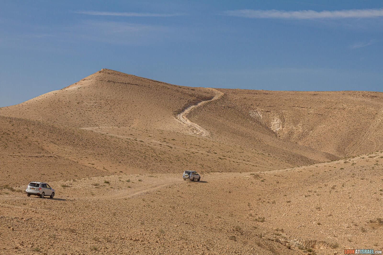 Путешествие по Иудейской пустыне на внедорожниках