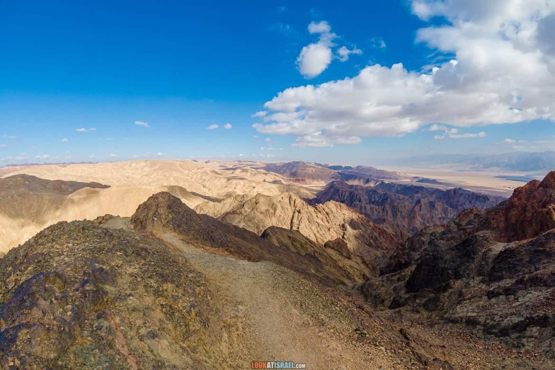Поход по горам Эйлата - подъём на гору Шломо и спуск по Нахаль Мапалим (ручей водопадов) | הר שלמה ונחל מפלים | LookAtIsrael.com - Фото путешествия по Израилю