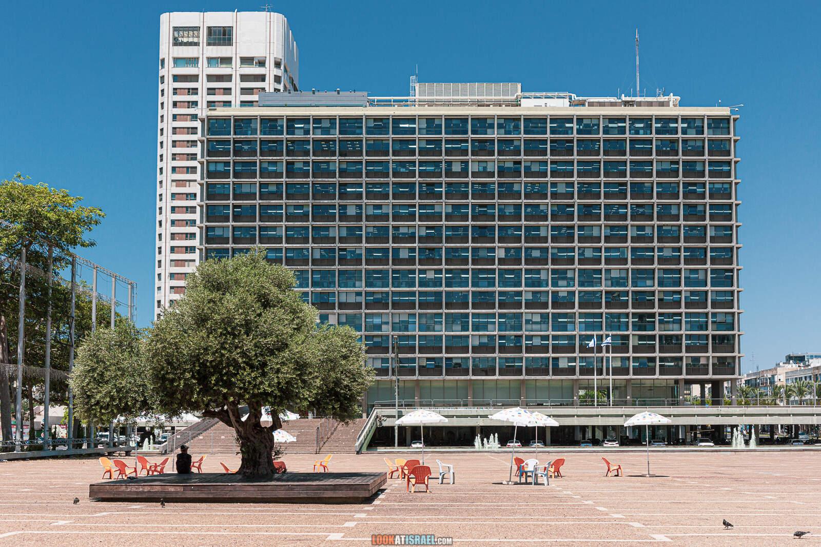 Тель Авив, ирия (муниципалитет) и площадь Рабина