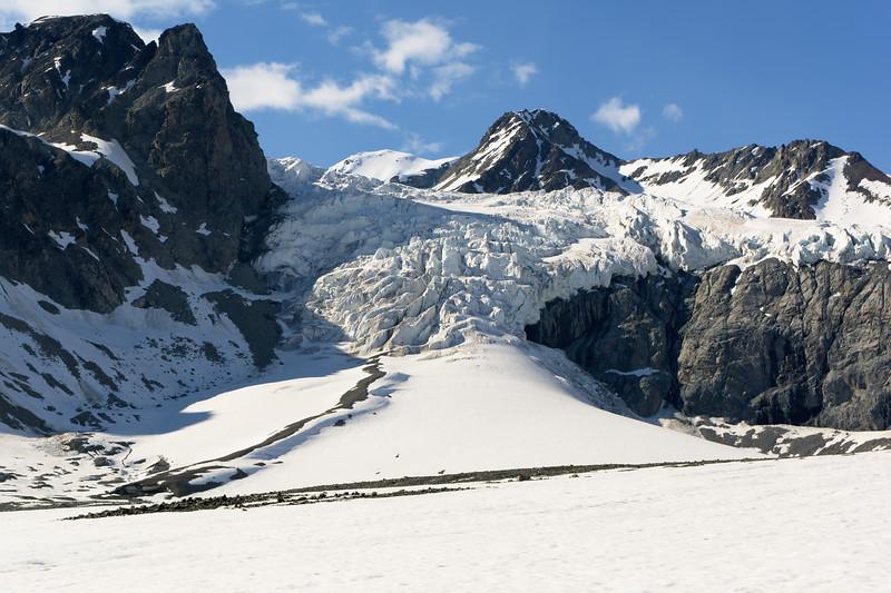 Gulkana Glacier Hike
