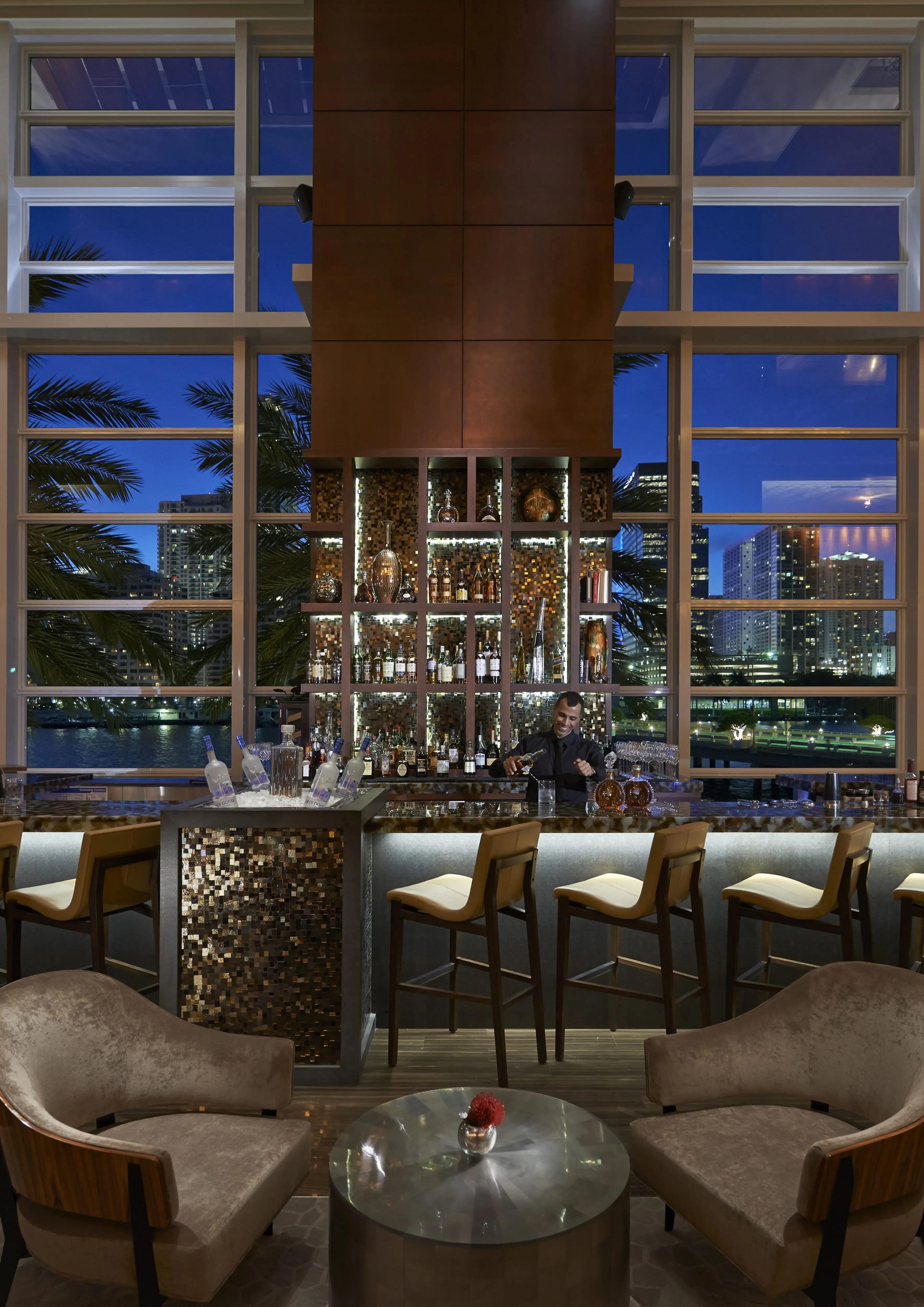 Mo Bar Lounge - Bars In Brickell Mandarin Oriental Miami