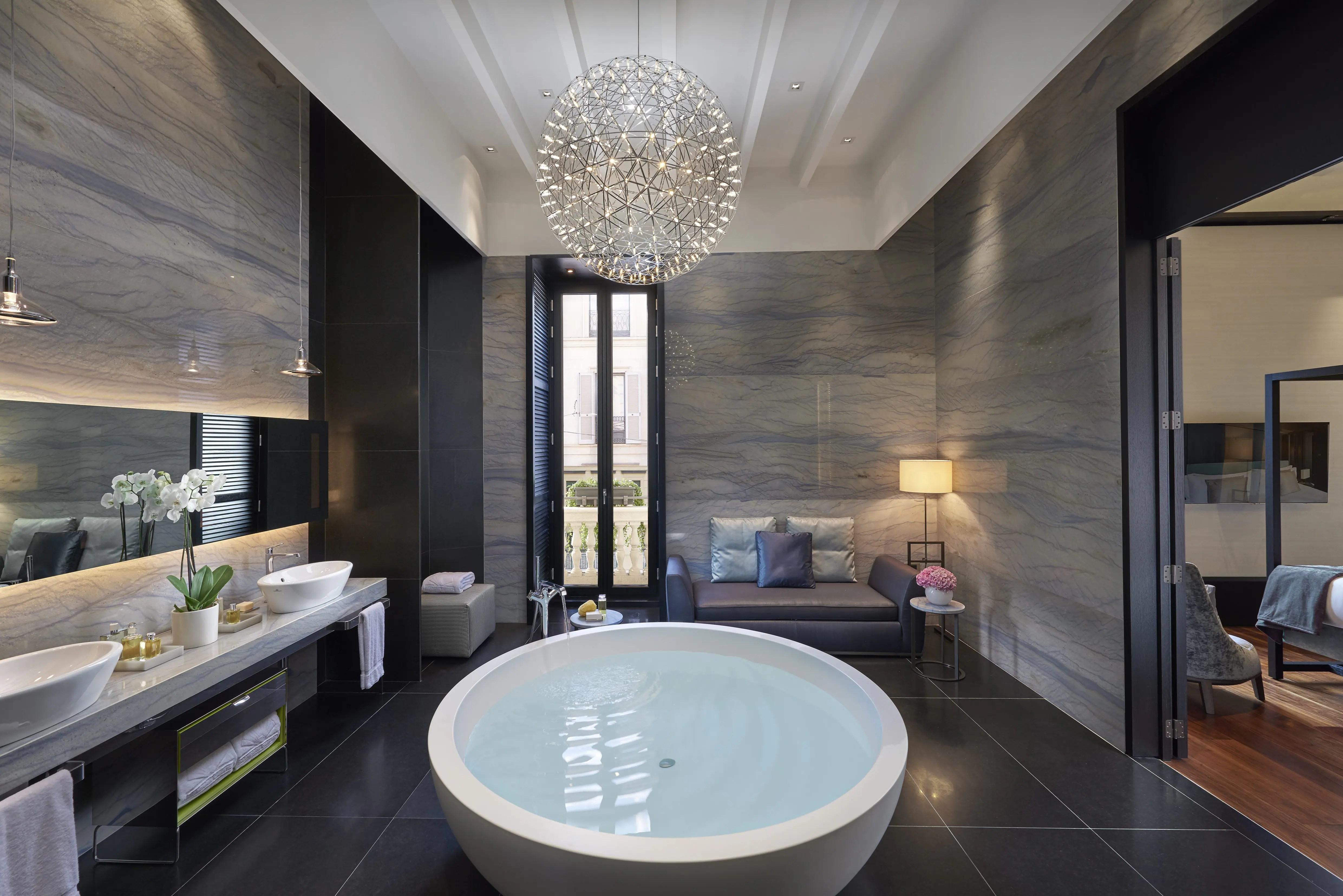 Luxury Accommodations Near La Scala  Mandarin Oriental Milan