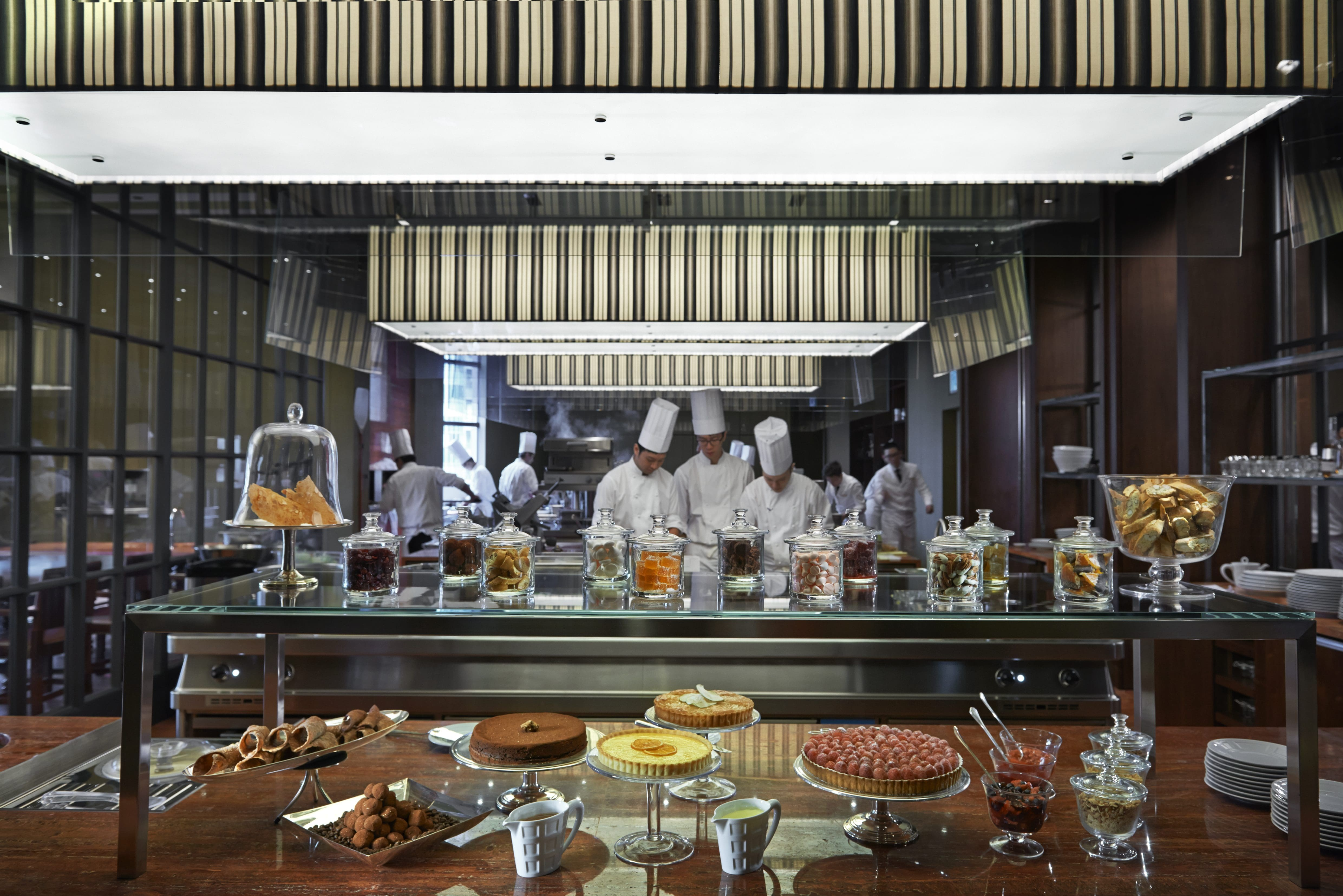 bar height kitchen table best brand for appliances italian restaurant taipei | bencotto mandarin oriental ...