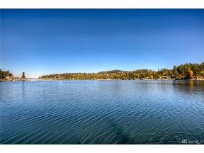 Property for sale at 3925 Forest Beach Dr NW, Gig Harbor,  WA 98335