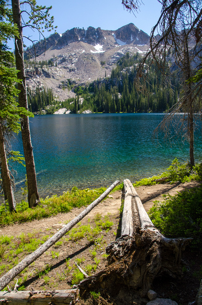 Best Baron Lakes Idaho Hikes - Grandjean Campground and Trailhead to Redfish Lake.  A path leads around the shore of Alpine Lake to additional camping spots on the southwestern shore.