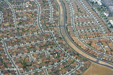 Sprawl outside Albuquerque, New Mexico. Photo by: Jeremy Hance.