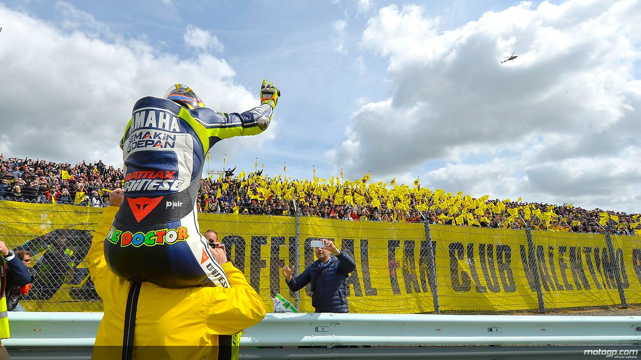 https://i0.wp.com/photos.motogp.com/2013/06/30/rossi_fans_original.jpg