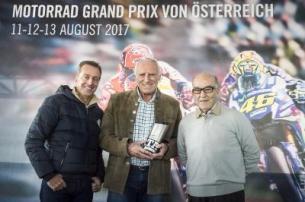Red Bull Ring Terima Trofi Best Grand Prix MotoGP 2016