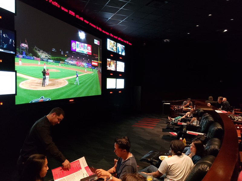 PICTORIAL: Closing out ESPN ZONE plus a brief pulse check