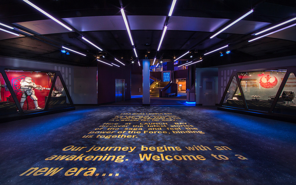 FIRST LOOK: Inside STAR WARS LAUNCH BAY at the Tomorrowland Expo Center, Disneyland