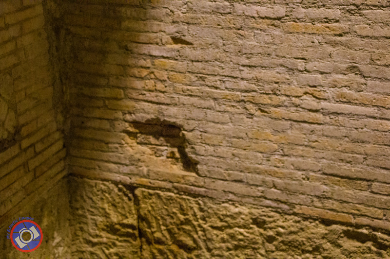 Work and Roman Brick Work at San Lorenzo Maggiore (©simon@myeclecticimages.com)