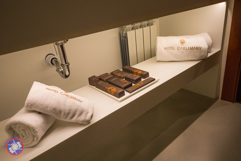 Display of Toiletries Provided by the Hotel (©simon@myeclecticimages.com)