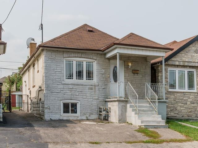 Main Photo: 60 Dynevor Road in Toronto: Caledonia-Fairbank House (Bungalow) for sale (Toronto W03)  : MLS® # W3931930