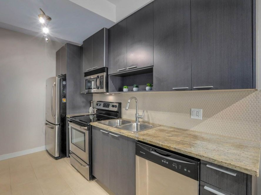 """Photo 11: 309 707 E 20TH Avenue in Vancouver: Fraser VE Condo for sale in """"BLOSSOM"""" (Vancouver East)  : MLS®# R2404449"""