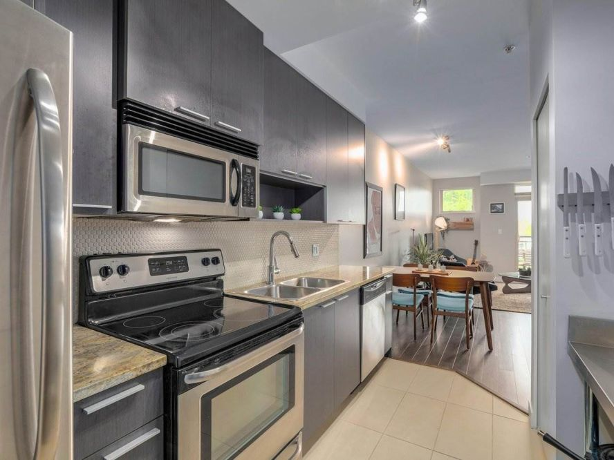 """Photo 12: 309 707 E 20TH Avenue in Vancouver: Fraser VE Condo for sale in """"BLOSSOM"""" (Vancouver East)  : MLS®# R2404449"""