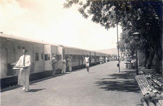 https://i0.wp.com/photos.pouryourheart.com/wp-content/uploads/2018/12/Indian-Railways16.jpg?w=640