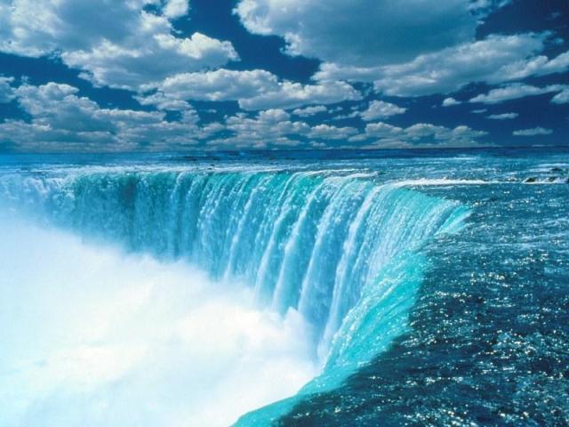 https://i0.wp.com/photos.pouryourheart.com/wp-content/uploads/2018/12/Niagara-Falls6.jpg?w=640