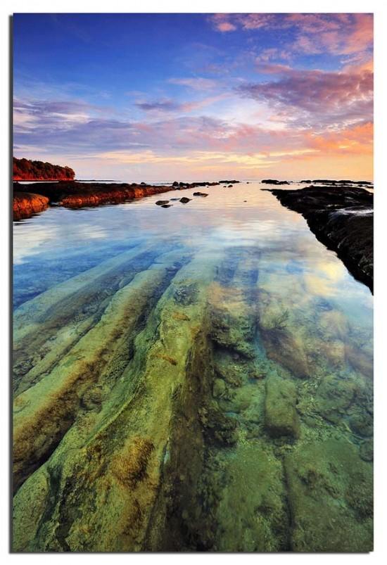https://i0.wp.com/photos.pouryourheart.com/wp-content/uploads/2018/12/transparent-Water08.jpg?w=640