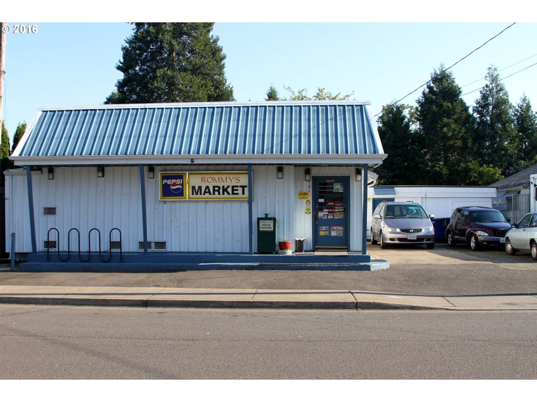Local Micro Market with regular customers. Business, Building and Land included in Price. Small living area. Framed storage unit 12 x 15.5 metal siding and concrete floors. Large fenced backyard. Call for more details in income for serious purchasers only. Market open 9am to 6pm