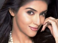 Hindi actress Asin HD pictures