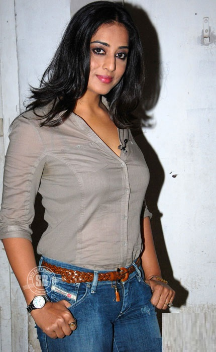 Sexy Mahie Gill Wallpapers