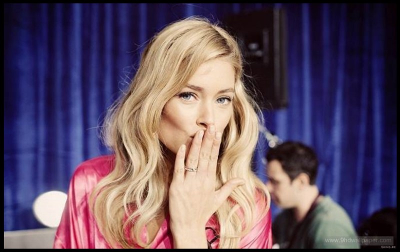 Hand Kiss Victoria's Secret Stock Photos and Pictures